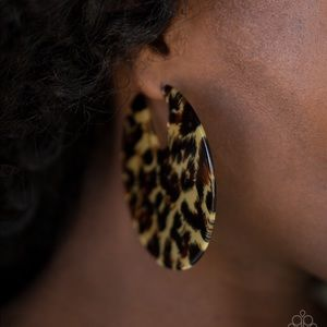 Beautiful acrylic with cheetah print earrings